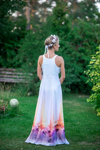 White Dress with Flowers | Hauterent